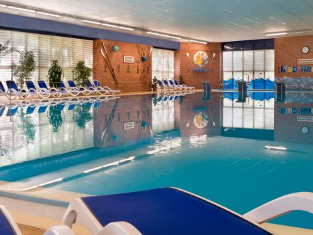 Seehotel Templin Pool 300dpi