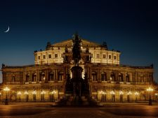 dresden 749683 1920 Semperoper2